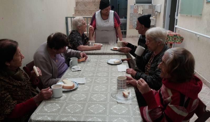 Lar e Assistência para Idosos Preço em Mogi das Cruzes - Day Care para Idosos