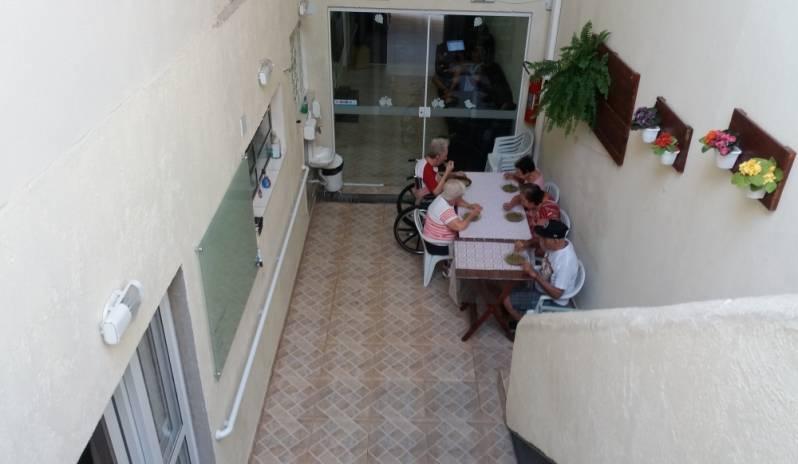 Lares e Residências de Idosos em Sp em Taboão da Serra - Lar Creche de Idosos